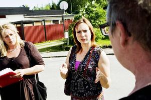 Nanna Härkönen och Anneli Hellstrand hade en annan syn på tillståndet inom förskolan i Sandviken än kunskapsnämndens ordförande Ann-Catrin Brockman, närmast i bild.