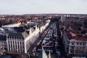 Hindersmässan 1991. Bild tagen från kyrktornet. (Bild: Örebro stadsarkiv)
