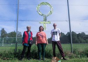 Sibylla Nohrborg, Ann-Sofie Daniels och Johan Löfström förbereder sig för Skutt18.