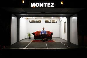 Lagom till löning arrangeras de två konstmässorna i Stockholm. Det tyska konstnärskollektivet Kunstverein Familie Montez kommer till Supermarket.