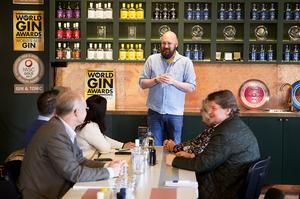 Magnus Ernstsson, Hernö gin, berättar om företagets historia och processen bakom världens bästa gin.