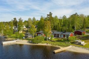 Det här huset vid Gålnässtrand såldes för 3 550 000 kronor. Foto: Fastighetsbyrån