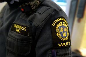 En Borlängebo har dömts till fängelse efter att ha sparkat en ordningsvakt mellan benen. Janerik Henriksson / TT
