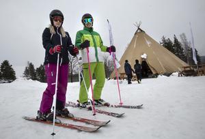 Lydia Liljegren och Oskar Sjölander från Umeå gjorde säsongens första åk i Hasselabackarna.