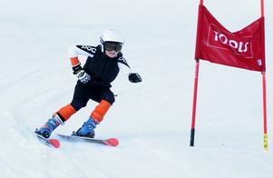 Sixten Pettersson, 9 år, är tacksam för att IFK Borlänge Alpin får träna i Bjursås.