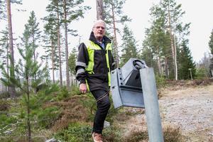 Vad driver någon att förstöra ett eluttag på det här sättet undrar Torbjörn Sandahl på Vedmora byalag.