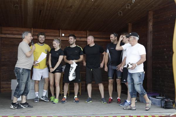Räddningstjänsten: Sefan Olsson, Erik Albinder, Jonken Elfqvist, Mikael Olsson, Mathilda Bäck och Emil Olsson.