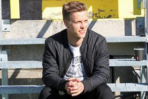 """Anders Eriksson, fotbollsfostrad i Hede IK på Söderåsens IP spelar numera för Åtvidaberg. Hans nominering var starten till att Söderåsen nu tävlar om titeln """"Sveriges finaste IP"""""""