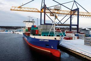 Foto: YilportContainerterminalen i Gävle hamn har nått kapacitetstaket.