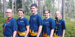 Ida Johansson, Erika Eriksson, Axel Ramstedt, Linnéa Thyberg och Elvira Göräng från Hedemora Scoutkår arrangerade återträffen. Bilden är tagen 2019 innan man reste till USA.