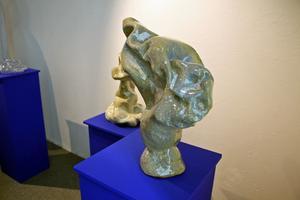 En vas i stengods av Jessica Westerberg.