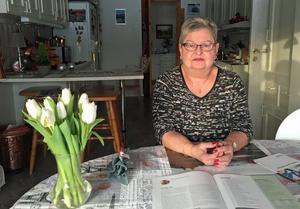 Mona Rodling har genomgått 28 operationer  sedan hon drabbades av reumatism.