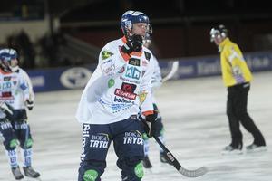 Patrik Nilsson noterade fem mål i premiären på Lugnet.