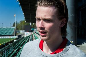 Jonathan Dahlén siktar på spel i NHL med Vancouver nästa säsong. I augusti går han på is tillsammans med Timrå IK för att förbereda sig.