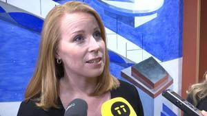 Centerledaren Annie Lööf uppger att Centerpartiet är villiga att överväga att släppa fram S-ledaren Stefan Löfven som statsminister.