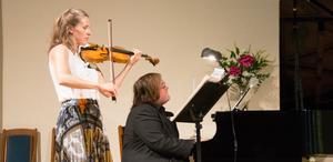 En helafton av lättlyssnad, känslosam och tjusande musik - sådan var konserthöstupptakten med gästspelet av Cecilia Zilliacus och Christian Ihle Hadland.