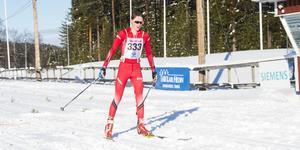 Joel Jänes går i mål på 22 kilometer.