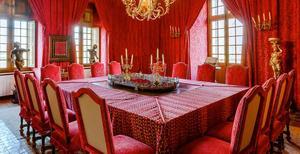 Röda rummet där middagsmöten hålls. Foto: Privat