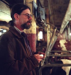 Thomas Larsson för några decennier sedan när han fortfarande var jordbrukare. Arkivfoto