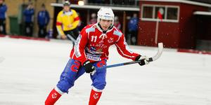 Victor Fredriksson gör en säsong till i Västanfors.