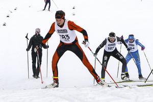 Hanna Näslund, Julia Albertsson och Emma Jönsson, tre av fyra J/H-åkare i D16 tävlade i Folksamspåren förra helgen under Svegsskidan.