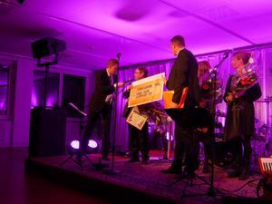 Här prisas Thomas Jacobs vid företagargalan i Rättvik.