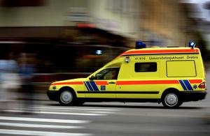 Patienten kördes mellan Lindesberg och Karlskoga i omgångar med brutet ben.