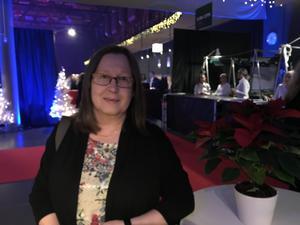 Britt Louise Sievers                                              – Jag är här med företaget Blue Ocean, som håller på med vindkraft till havs. Jag hoppas på en fin kväll med mycket sång och god middag.