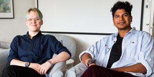 Adam Bäck och Fabian Addison Smith har fått kontakt genom Juventas – Fabian fungerar som storebror till Adam. Just nu söker Södertäljejourerna volontärer – personer som vill engagera sig för ungdomar, utsatta kvinnor eller i andra delar av verksamheten.