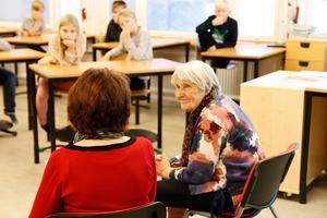 Eleverna hade förberett frågor till Taimi Sirberg.