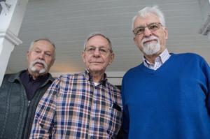– Bygg lägenheter för äldre nu, uppmanar Sören Norgren, Urban Björn och Gunnar Trued, SPF:s arbetsgrupp för trygghetsboende.