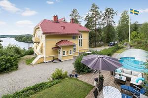 Villa Berglint 1 i Njurunda har ett utgångspris på 5 950 000 kronor. Foto: Mäklarhuset Sundsvall