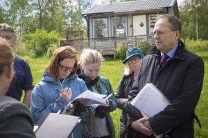 I slutet av maj gjorde domstolen med hovrättsrådet Lars Borg i spetsen syn i Brittsandsområdet. Nu har domstolen slagit fast att 60 tomter kan styckas av i området.