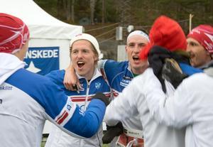 Morajubel i målfållan efter åttondeplatsen i Tiomila och inte minst segern i kampen om Dalarna. Per Harald Löfgren Johansen och Vojtech Kral i mitten.