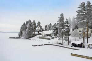 Denna villa på Trollarudden i Borlänge kommun toppar Dalarnas egen Klicktoppen för vecka 9 med sina 8 211 klick på Hemnet. Foto: Christoffer Cederberg