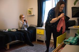 Malin driver Instagramkontot Outfitkid där hon lägger upp bilder på barnkläder.