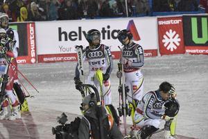 Svenskarna var besviken efter att ha åkt ut i kvartsfinalen mot Scheweiz under lagtävlingen. Samtliga: Anna Swenn-Larsson, Mattias Hargin, Frida Hansdotter och André Myhrer. Foto: Nisse Schmidt