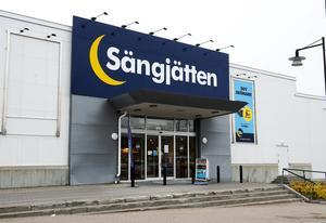 Sängjätten i Birsta var en av åtta butiker i landet som fick stänga.