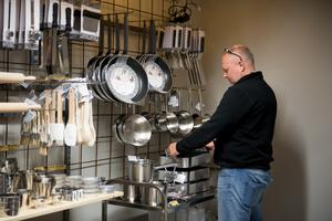 Butiken satsar på köksredskap i restaurangkvalitet.