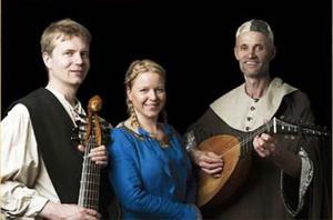 Trio Frottola består av Magnus Eriksson, Cecilia Hage och Torbjörn Söderquist.