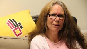 Ewa Norling vet inte vad hon ska ta sig till när kommunen med kort varsel drog in bidraget till ATSU. En frist till årets slut hade hjälpt.