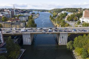Trafik på Mälarbron. Foto: Fredrik Sandberg / TT