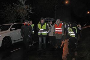 Många Torpabor tog också chansen att följa med på den trygghetsvandring som ordnades efter mötet.