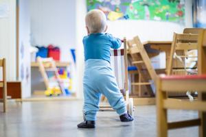 Att utöka förskolan när den redan är både överfull och präglas av stress är fel prioriterat. Foto: Håkon Mosvold Larsen / NTB scanpix / TT.
