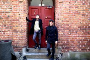 Hela 16 år har The Scrags hunnit hålla på nu. Under årens lopp har de bland annat hunnit med två Kanada-turnéer och lirat både i New York och London. Antonio Fryk och Fredrik Berglund på bilden.