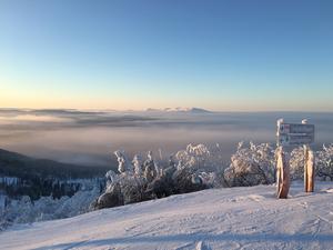 Många vill till snön och skidbackarna i Härjedalen under nyår.
