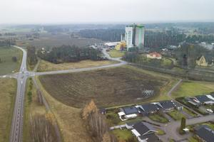 Durum är området norr om bostadsområdet på Korngatan (som syns nere i högra hörnet på bilden), norr och söder om Terrasitgatan.