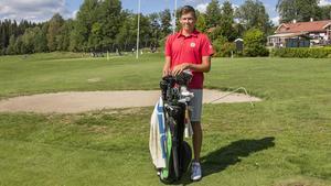 17-åriga Gustav Sjöberg från Fagersta satsar stenhårt på golfen.