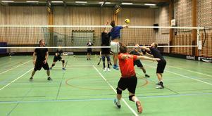Säters volleykillar slipar på det sista inför hemmapremiären på lördag.