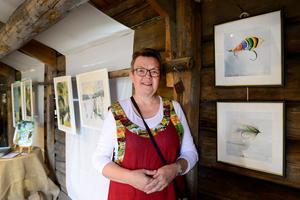 Ann Badman från Ånge ställde bland annat ut målningar föreställande flugor tänkta för fiske.